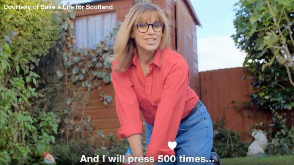 Carol Smillie doing CPR